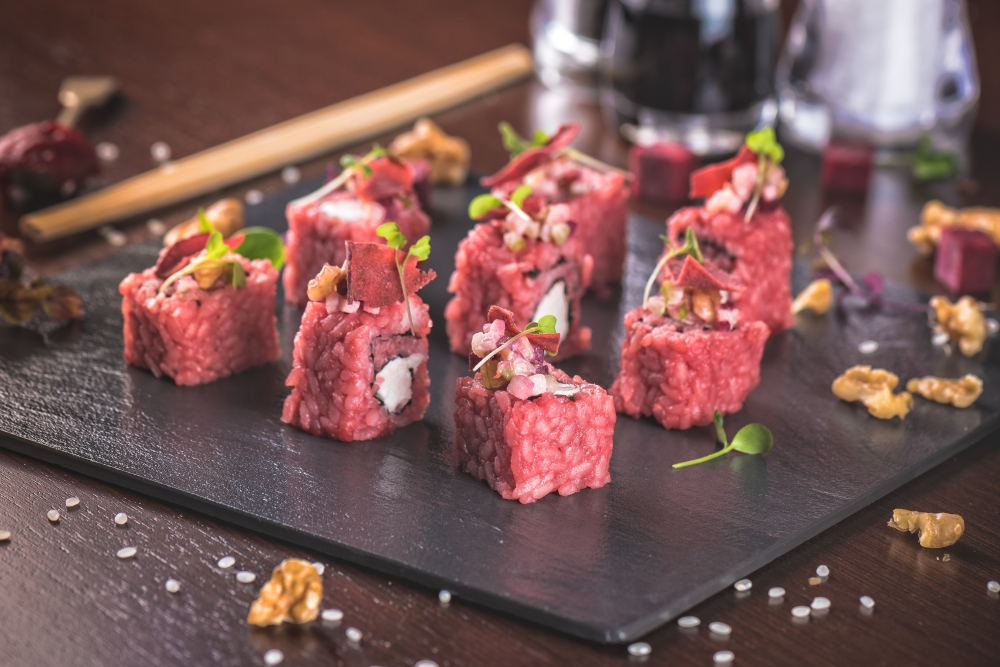 SushiSan - Beetroot & goat cheese maki roll